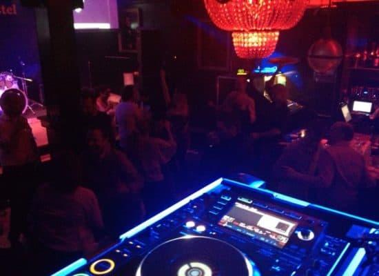 DJ mengpaneel huren?